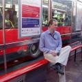 Ja naprzystanku autobusowym