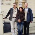 Przed Belgrave Hostel House - Ania, Czesław ija
