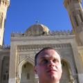 ja na tle meczetu