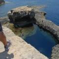 W tejgrocie podwodnej pływają nurkowie - Dwejra naGozo
